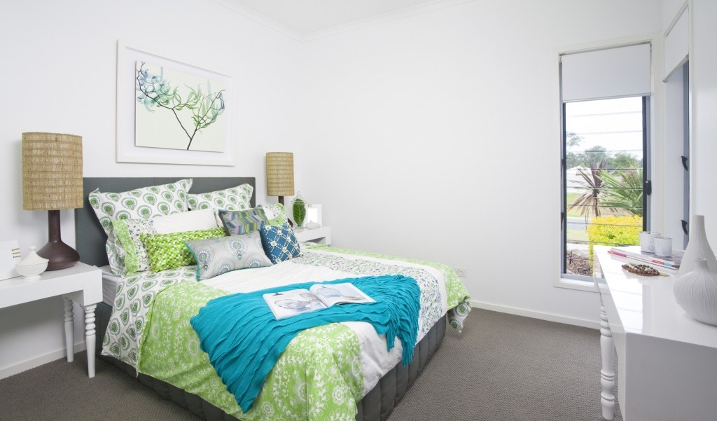 guest bedroom in green and blue