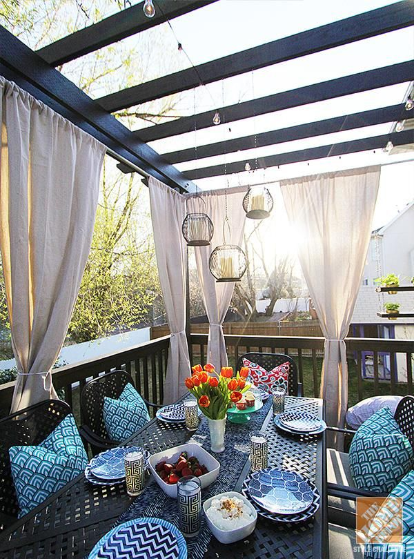 Curtains_outdoor_tent